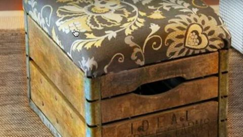 This Rustic Milk Crate Ottoman is Easy to Make! Inexpensive Farmhouse DIY Can Be Yours… | DIY Joy Projects and Crafts Ideas