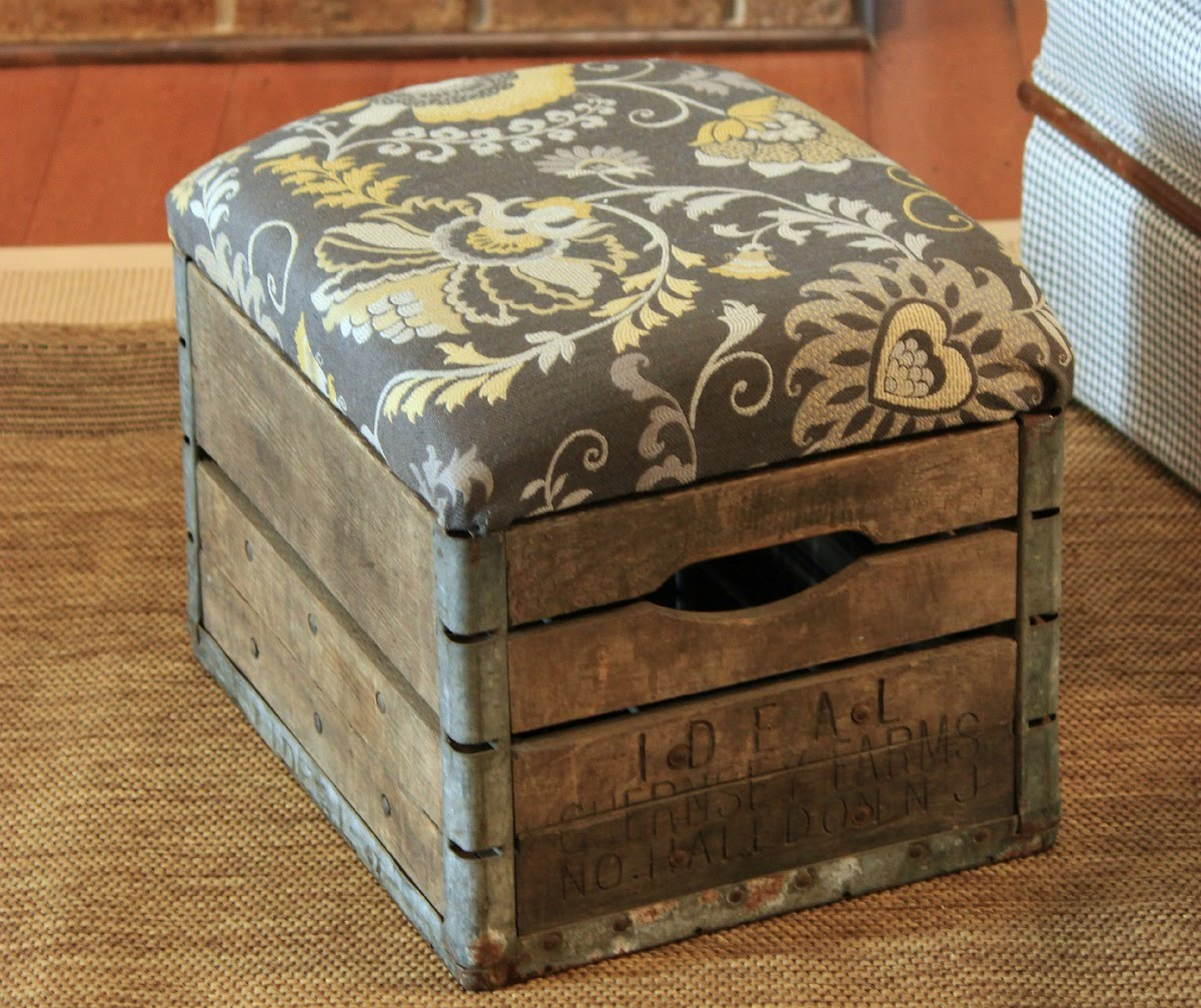 DIY Seating Ideas - This Rustic Milk Crate Ottoman is So Stylish & Easy to Make! - Creative Indoor Furniture, Chairs and Easy Seat Projects for Living Room, Bedroom, Dorm and Kids Room. Cheap Projects for those On A Budget. Tutorials for Cushions, No Sew Covers and Benches