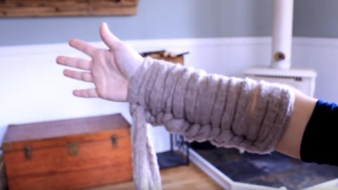 OMG! What Is She Making Where She Uses Her Arm To Do It?   DIY Joy Projects and Crafts Ideas