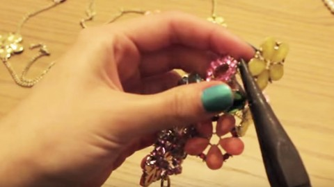 She Takes Old Jewelry Apart Now Watch The Stunning She Thing Does