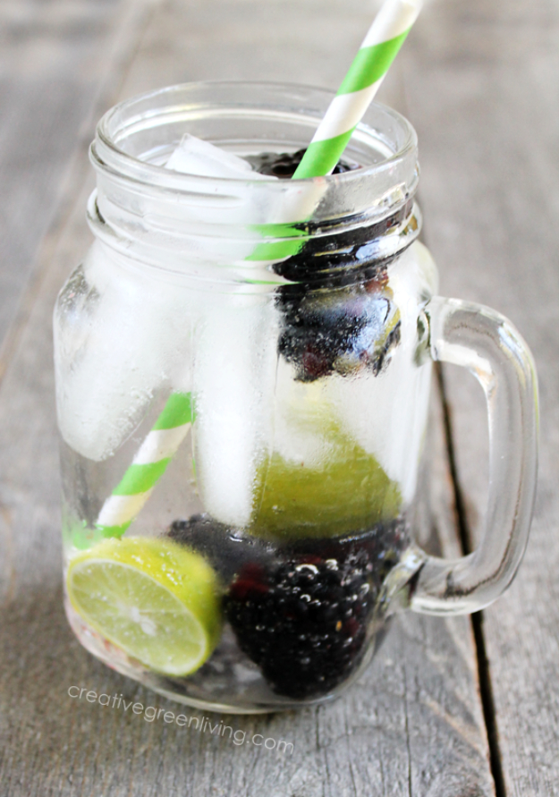 31 Clever Ways To Serve Drinks In Jars - Blackberry Lime Spritzer - Fun and Creative Way to Serve Soda, Tea, Cocktails and Party Drinks. Mason Jar Recipes and More Easy, Fun Ideas