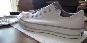 Look What She's Doing To Her Converse Shoes! AWESOME!