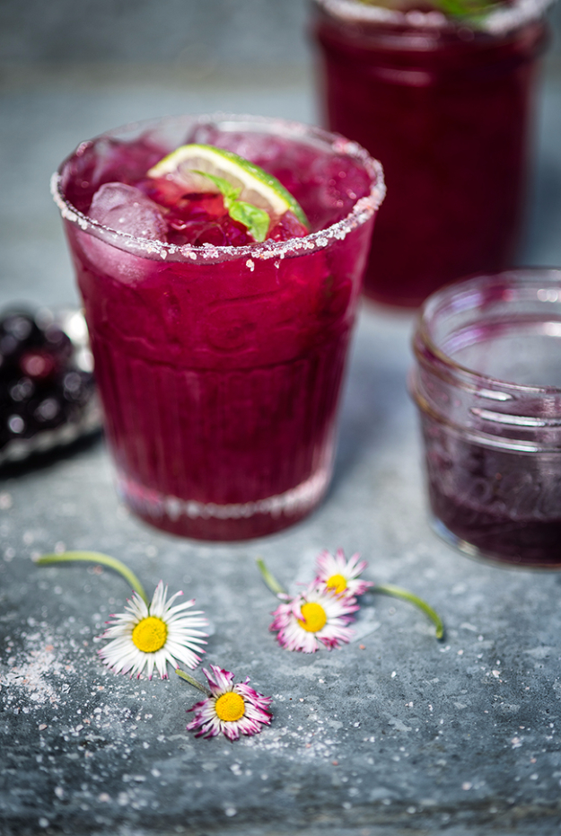 31 Clever Ways To Serve Drinks In Jars - Blueberry Basil Margarita - Fun and Creative Way to Serve Soda, Tea, Cocktails and Party Drinks. Mason Jar Recipes and More Easy, Fun Ideas