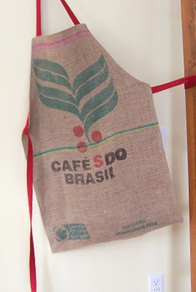 DIY Projects Made From Trash - Crafty Coffee Bag Apron - Cool Crafts and DIY Made from Upcycled Items You Don't Want To Throw Away. Home Decor, Gifts and Fun Ideas for Kids, Adults and Teens