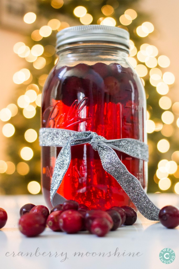 31 Clever Ways To Serve Drinks In Jars - Cranberry Moonshine - Fun and Creative Way to Serve Soda, Tea, Cocktails and Party Drinks. Mason Jar Recipes and More Easy, Fun Ideas