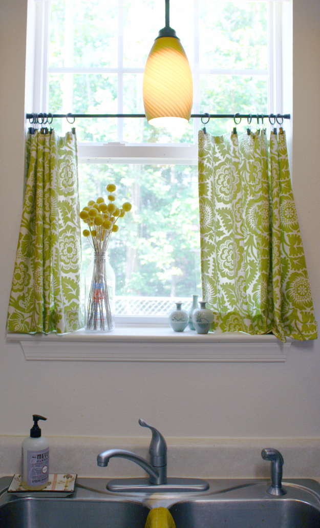 50 DIY Curtains and Drapery Ideas - Cute DIY Cafe Curtains - Easy No Sew Ideas and Step by Step Tutorials for Drapes and Curtain Ideas - Cheap and Creative Projects for Bedroom, Living Room, Kitchen, Kids and Teen Rooms - Simple Draperies for Fabric, Made Out of Sheets, Blackout Curtains and Valances #sewing #diydecor #drapes #decoratingideas