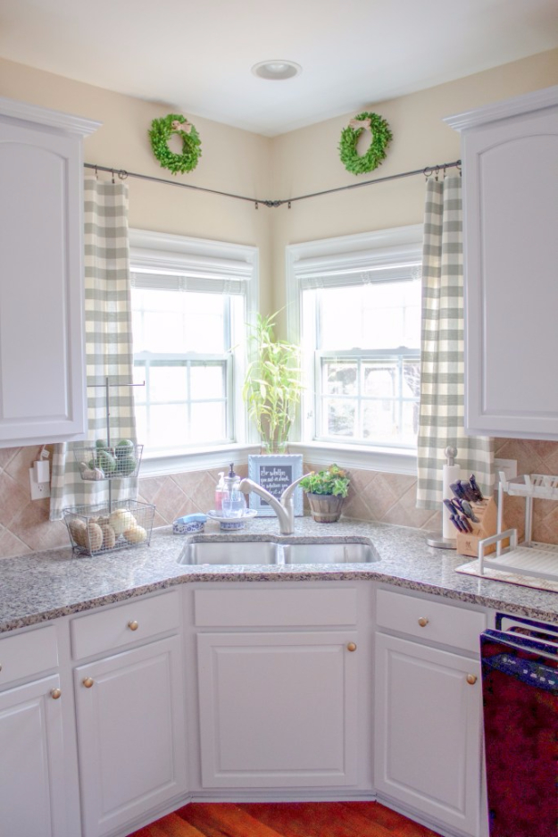 40 DIY Ways to Dress Up Boring Windows - Kitchen Window Treatment - Cool Crafts and DIY Ideas to Make Awesome Bedrooms, Living Room Decor - Easy No Sew Ideas, Cheap Ideas for Makeovers, Painting and Sewing Tutorials With Step by Step Instructions for Awesome Home Decor