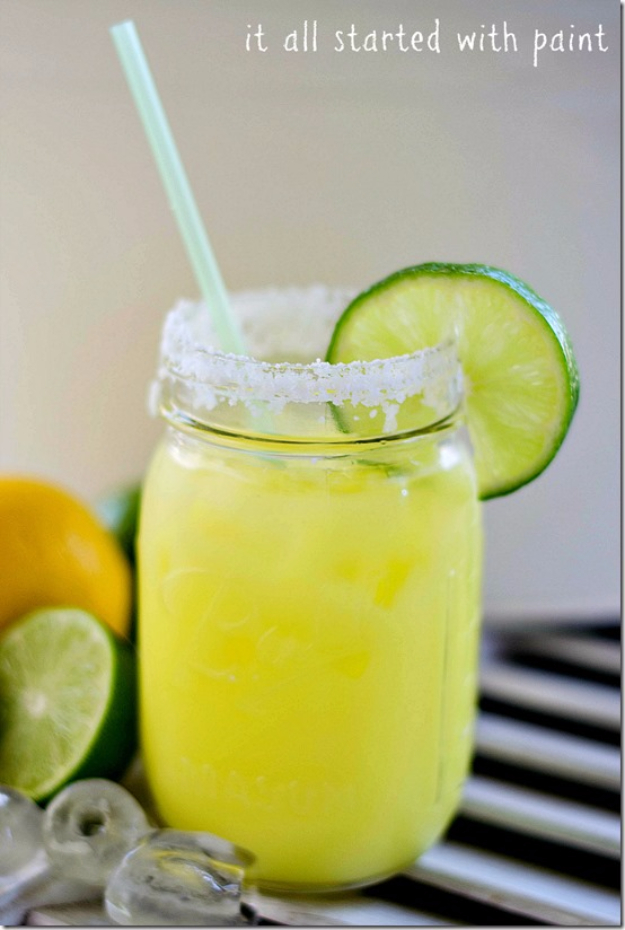 31 Clever Ways To Serve Drinks In Jars - Low Cal Margarita In A Jar - Fun and Creative Way to Serve Soda, Tea, Cocktails and Party Drinks. Mason Jar Recipes and More Easy, Fun Ideas