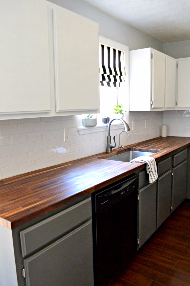 DIY Kitchen Makeover Ideas - Paint Cabinets Without Sanding - Cheap Projects Projects You Can Make On A Budget - Cabinets, Counter Tops, Paint Tutorials, Islands and Faux Granite. Tutorials and Step by Step Instructions