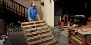 I Love All Things Made Out of Pallet Wood & This Is So Useful & Decorative!