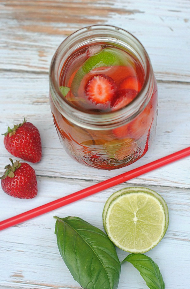 31 Clever Ways To Serve Drinks In Jars - Refreshing Strawberry Lime Basil Infused Water - Fun and Creative Way to Serve Soda, Tea, Cocktails and Party Drinks. Mason Jar Recipes and More Easy, Fun Ideas