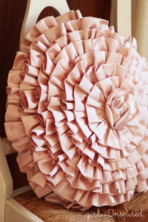 Shabby Chic Decor and Bedding Ideas - Ruffled Spiral Pillow - Rustic and Romantic Vintage Bedroom, Living Room and Kitchen Country Cottage Furniture and Home Decor Ideas. Step by Step Tutorials and Instructions http://diyjoy.com/diy-shabby-chic-decor-bedding