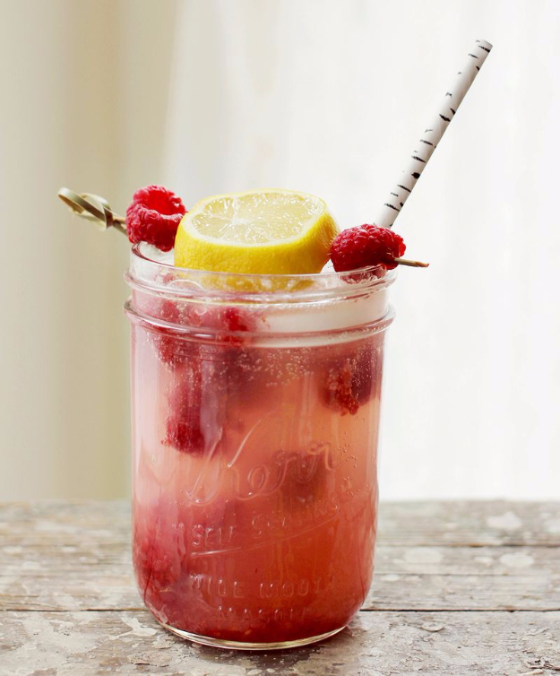 31 Clever Ways To Serve Drinks In Jars - Smashed Raspberry Lemonade Cocktail - Fun and Creative Way to Serve Soda, Tea, Cocktails and Party Drinks. Mason Jar Recipes and More Easy, Fun Ideas