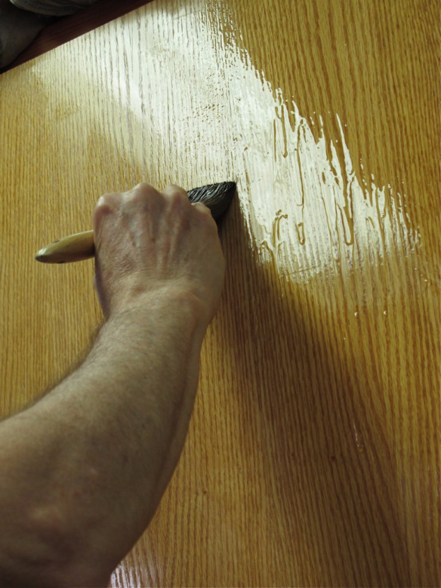 Cool Woodworking Tips - Avoid Wood Runs And Sags - Easy Woodworking Ideas, Woodworking Tips and Tricks, Woodworking Tips For Beginners, Basic Guide For Woodworking #woodworking