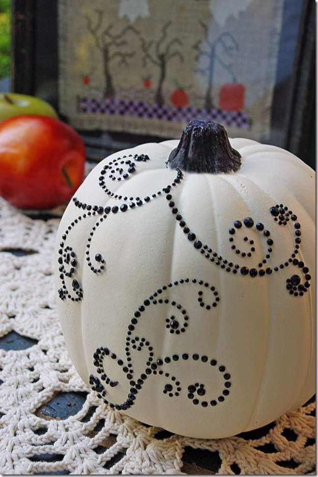 34 Pumpkin Decorations For Fall - Blinged Out Pumpkin - Easy DIY Pumpkin Decor Ideas for Home, Yard, Outdoors - Cool Pumpkin Decorating Ideas for Adults and Kids Party, Creative Crafts With Paint, Glitter and No Carve Projects for Halloween