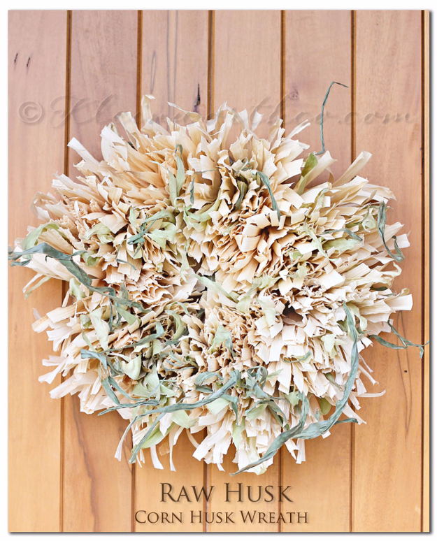 35 Fall Wreaths for Your Door - Corn Husk Wreath - Fall Wreaths For Front Door, Fall Wreaths Ideas To Try, Easy DIY Fall Wreaths, Brilliant Fall Wreath DIY, Porch Decor, Cool Ideas For Fall, Fall Projects
