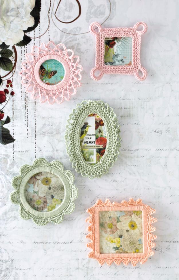 35 Easy Crochet Patterns - Crochet Frames - Crochet Patterns For Beginners, Quick And Easy Crochet Patterns, Crochet Ideas To Try, Crochet Ideas To Make And Sell, Easy Crochet Ideas #crochet #crochetpatterns #diygifts