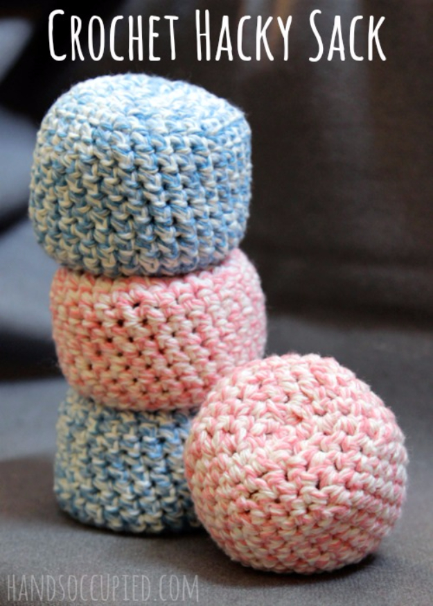 35 Easy Crochet Patterns - Crochet Hacky Sack - Crochet Patterns For Beginners, Quick And Easy Crochet Patterns, Crochet Ideas To Try, Crochet Ideas To Make And Sell, Easy Crochet Ideas #crochet #crochetpatterns #diygifts