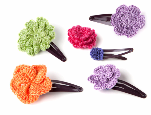 35 Easy Crochet Patterns - Crochet Hair Clip - Crochet Patterns For Beginners, Quick And Easy Crochet Patterns, Crochet Ideas To Try, Crochet Ideas To Make And Sell, Easy Crochet Ideas #crochet #crochetpatterns #diygifts