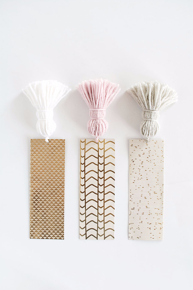 Dollar Store Crafts - DIY Chunky Tassel Bookmarks - Best Cheap DIY Dollar Store Craft Ideas for Kids, Teen, Adults, Gifts and For Home #dollarstore #crafts #cheapcrafts #diy