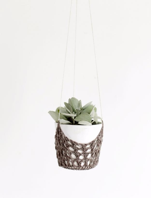 35 Easy Crochet Patterns - DIY Crochet Hanging Planter - Crochet Patterns For Beginners, Quick And Easy Crochet Patterns, Crochet Ideas To Try, Crochet Ideas To Make And Sell, Easy Crochet Ideas #crochet #crochetpatterns #diygifts