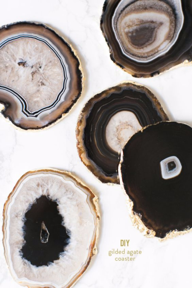 37 Quickest DIY Gifts You Can Make - DIY Gilded Agate Coasters - Easy and Quick Last Minute DIY Gift Ideas for Mom, Dad, Him or Her, Freinds, Teens, Kids, Girls and Boys. Fast Crafts and Fun Ideas in A Jar, Birthday Presents - Step by Step Tutorials http://diyjoy.com/quick-diy-gifts