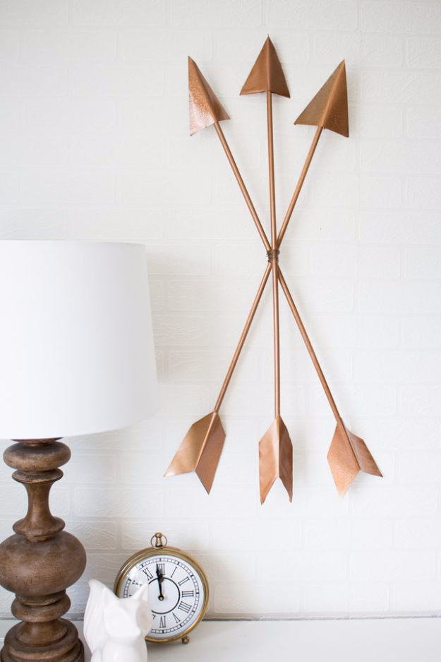 35 Wall Art Ideas For The Bedroom   DIY Modern Arrow Wall Art   Rustic  Decorating