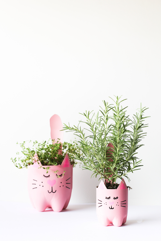 Easy DIY Projects - DIY Soda Bottle Kitty Cat Planters - Easy DIY Crafts and Projects - Simple Craft Ideas for Beginners, Cool Crafts To Make and Sell, Simple Home Decor, Fast DIY Gifts, Cheap and Quick Project Tutorials #diy #crafts #easycrafts