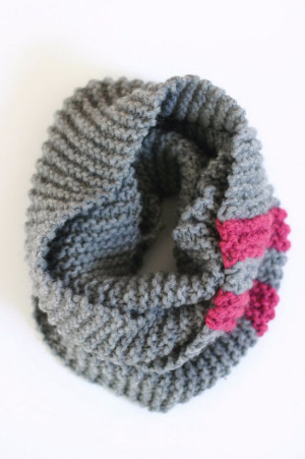 38 Easy Knitting Ideas - Easy Cozy Cowl - Knitting Ideas For Beginners, Cute Kinitting Projects, Knitting Ideas And Patterns, Easy Knitting Crafts, Gifts You Can Knit#diy #knitting