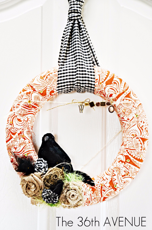 Fabric Fall Wreaths for Autumn Decor- Fabric Wreath Tutorial - Fall Wreaths For Front Door, Fall Wreaths Ideas To Try, Easy DIY Fall Wreaths, Brilliant Fall Wreath DIY, Porch Decor, Cool Ideas For Fall, Fall Projects