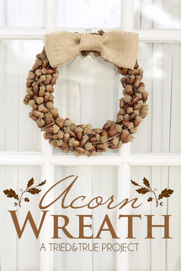 DYI Fall Wreaths for Your Door - Fall Wreaths With Acorns - Fall Wreaths For Front Door, Fall Wreaths Ideas To Try, Easy DIY Fall Wreaths, Brilliant Fall Wreath DIY, Porch Decor, Cool Ideas For Fall, Fall Projects