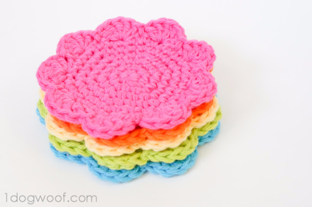 35 Easy Crochet Patterns - Flower Coasters Pattern - Crochet Patterns For Beginners, Quick And Easy Crochet Patterns, Crochet Ideas To Try, Crochet Ideas To Make And Sell, Easy Crochet Ideas #crochet #crochetpatterns #diygifts