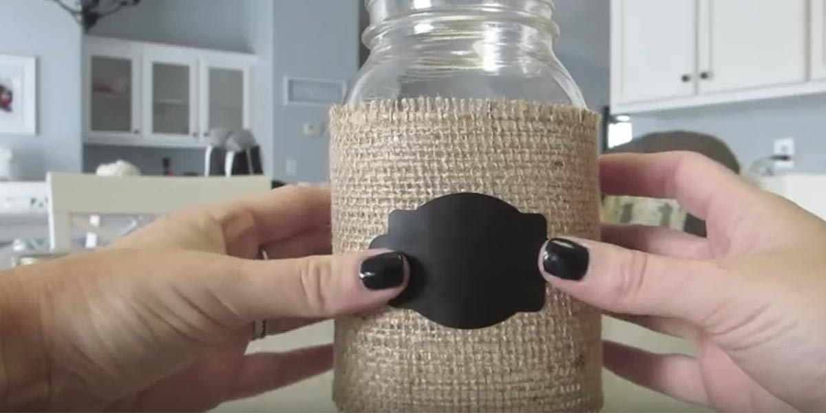 She Wraps This Mason Jar With Burlap Now Watch What She Puts In It