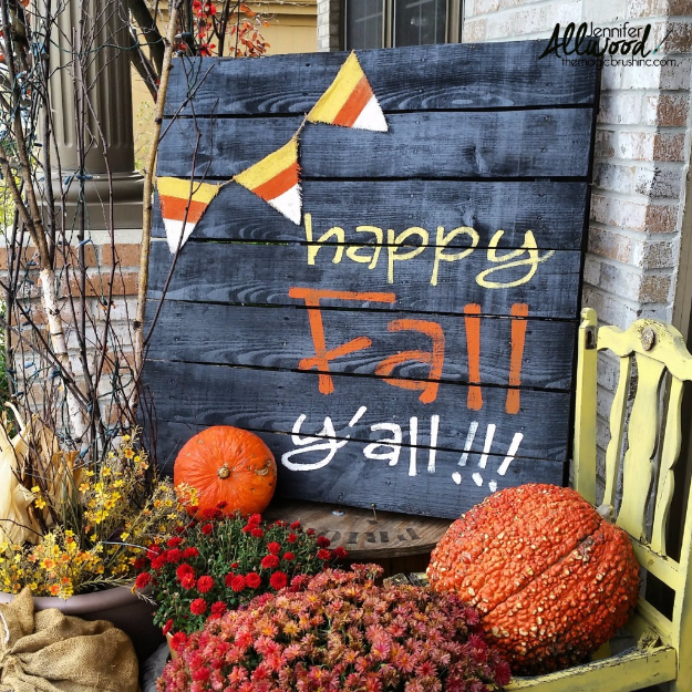 38 Best DIY Projects for Fall - Happy Fall Pallet Sign - Quick And Easy Projects For Fall, Fun DIY Projects To Try This Fall, Cute Fall Craft Ideas, Fall Decors, Easy DIY Crafts For Fall