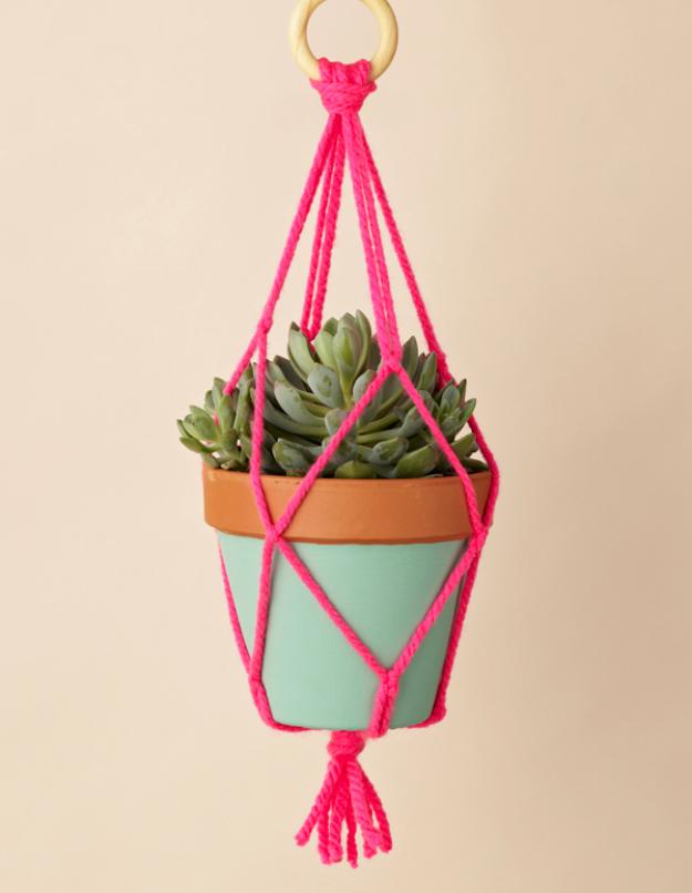 Clever DIYs Made With Yarn - Macrame Yarn Plant Hangers - Yarn Crafts To Try, Easy Yarn DIYs, Fun Crafts To Do With Yarn, Wall Art, Awesome Yarn Ideas, Yarn DIY Projects, Brillian Yarn Craft Tutorials http://diyjoy.com/diy-curtains-drapes