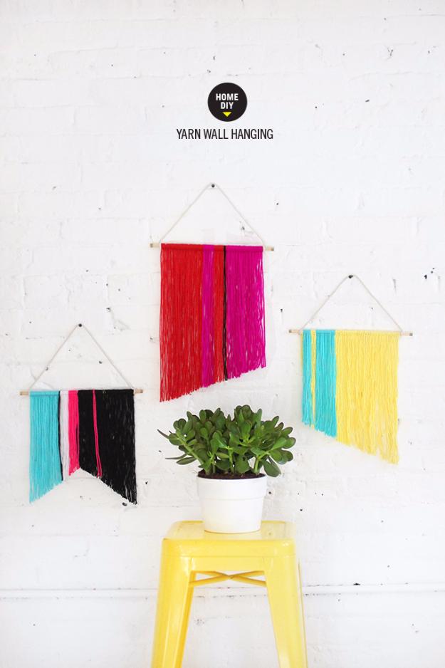Clever DIYs Made With Yarn - Mini Yarn Wall Hanging - Yarn Crafts To Try, Easy Yarn DIYs, Fun Crafts To Do With Yarn, Wall Art, Awesome Yarn Ideas, Yarn DIY Projects, Brillian Yarn Craft Tutorials http://diyjoy.com/diy-curtains-drapes