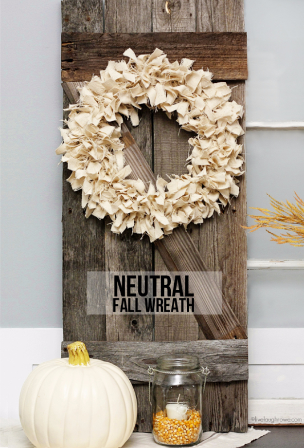 35 Fall Wreaths for Your Door - Neutral Fall Wreath - Fall Wreaths For Front Door, Fall Wreaths Ideas To Try, Easy DIY Fall Wreaths, Brilliant Fall Wreath DIY, Porch Decor, Cool Ideas For Fall, Fall Projects