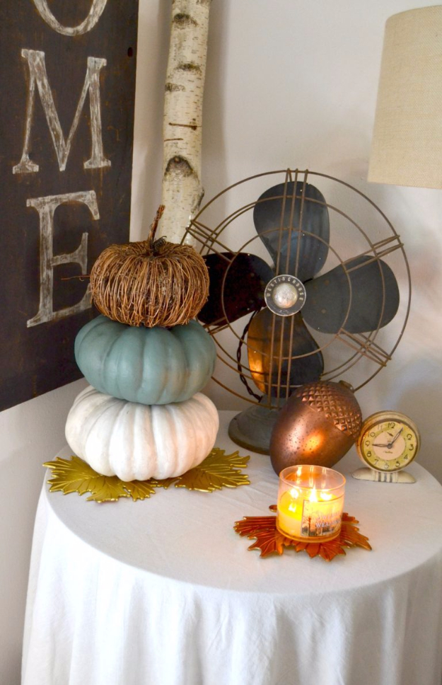 34 Pumpkin Decorations For Fall - Neutral Pumpkin Decor - Easy DIY Pumpkin Decor Ideas for Home, Yard, Outdoors - Cool Pumpkin Decorating Ideas for Adults and Kids Party, Creative Crafts With Paint, Glitter and No Carve Projects for Halloween