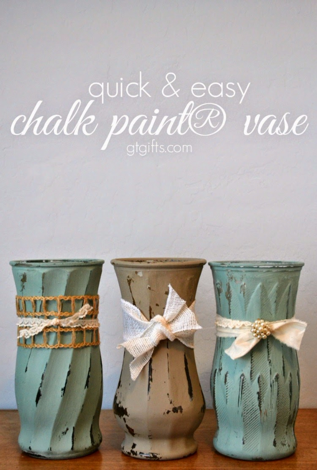 37 Quickest DIY Gifts You Can Make - Quick And Easy Chalk Paint Vase - Easy and Quick Last Minute DIY Gift Ideas for Mom, Dad, Him or Her, Freinds, Teens, Kids, Girls and Boys. Fast Crafts and Fun Ideas in A Jar, Birthday Presents - Step by Step Tutorials http://diyjoy.com/quick-diy-gifts