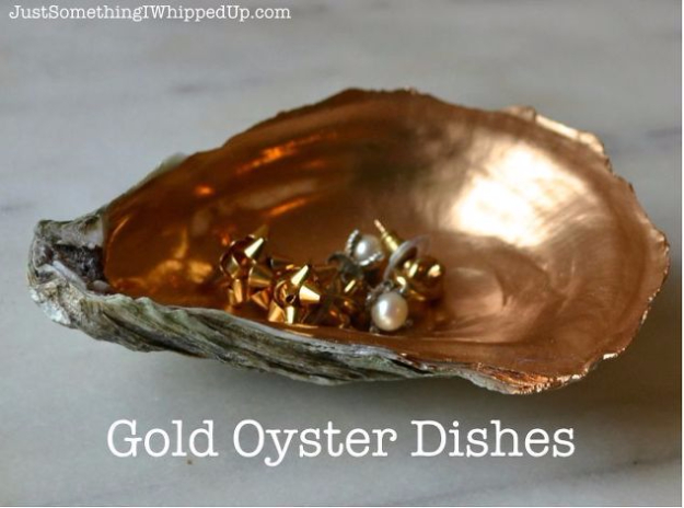 Quick Last Minute DIY Gifts You Can Make - Quick Gift Gold Oyster Dish - Easy and Quick Last Minute DIY Gift Ideas for Mom, Dad, Him or Her, Freinds, Teens, Kids, Girls and Boys. Fast Crafts and Fun Ideas in A Jar, Birthday Presents - Step by Step Tutorials #diygifts #xmas #christmasgifts #quickgifts
