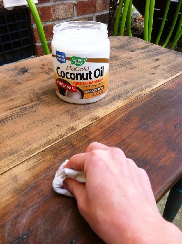 Cool Woodworking Tips - Refinishing Wood With Coconut Oil - Easy Woodworking Ideas, Woodworking Tips and Tricks, Woodworking Tips For Beginners, Basic Guide For Woodworking #woodworking