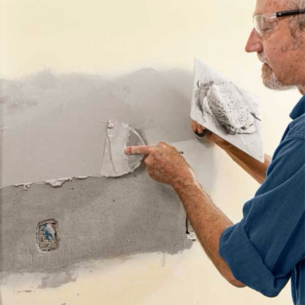 33 Home Repair Secrets From the Pros - Repairing Plaster Walls - Home Repair Ideas, Home Repairs On A Budget, Home Repair Tips, Living Room, Bedroom, Kitchen Repair, Home Improvement, Quick And Easy Home Tips http://diyjoy.com/diy-home-repair-secrets