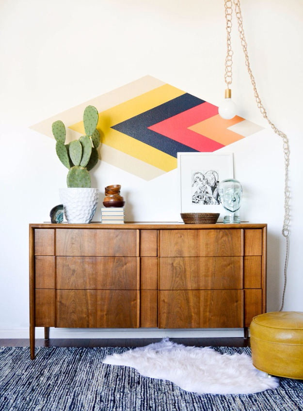 35 Wall Art Ideas for the Bedroom - Retro Diamond Focal Wall - Rustic Decorating Projects For Bedroom, Brilliant Wall Art Projects, Creative Wall Art, Do It Yourself Crafts, Easy Wall Art, Bedroom Decor on a Budget, Bedroom http://diyjoy.com/wall-art-ideas-bedroom