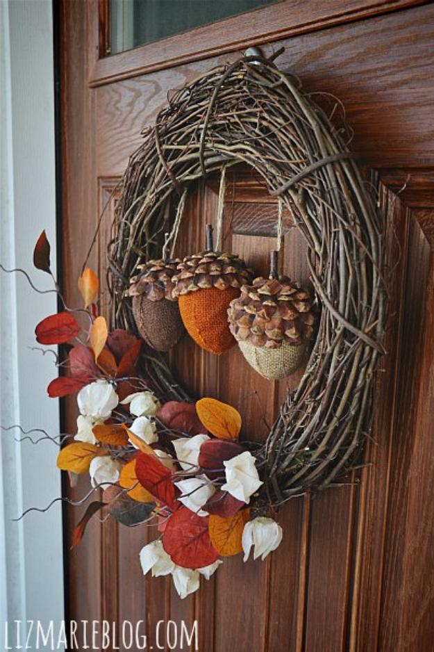 DIY Fall Wreath for Front Door - Rustic Acorn Wreath - Fall Wreaths For Front Door, Fall Wreaths Ideas To Try, Easy DIY Fall Wreaths, Brilliant Fall Wreath DIY, Porch Decor, Cool Ideas For Fall, Fall Projects