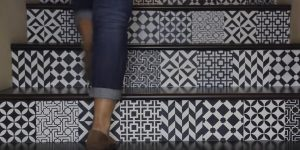 Watch The Absolutely Fascinating Way She Transforms Her Stairs Into A Work of Art!