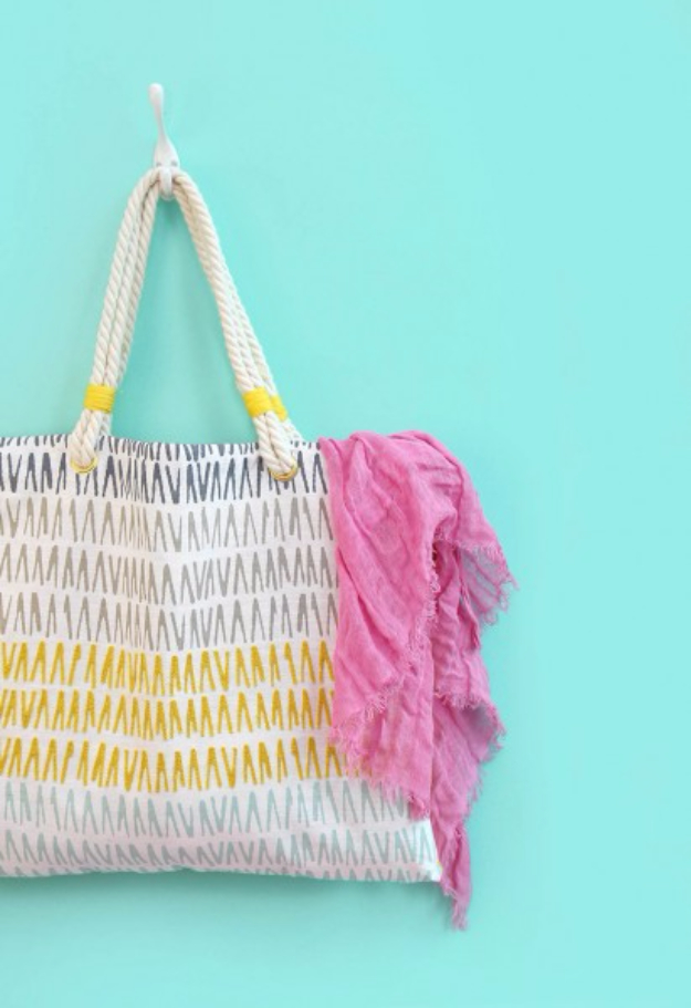 Dollar Store Crafts - Throw Pillow Tote Bag - Best Cheap DIY Dollar Store Craft Ideas for Kids, Teen, Adults, Gifts and For Home #dollarstore #crafts #cheapcrafts #diy