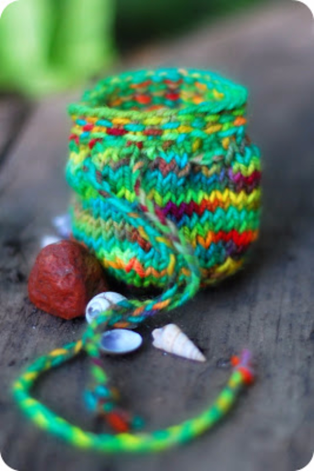 38 Easy Knitting Ideas - Treasure Pouch - Knitting Ideas For Beginners, Cute Kinitting Projects, Knitting Ideas And Patterns, Easy Knitting Crafts, Gifts You Can Knit#diy #knitting