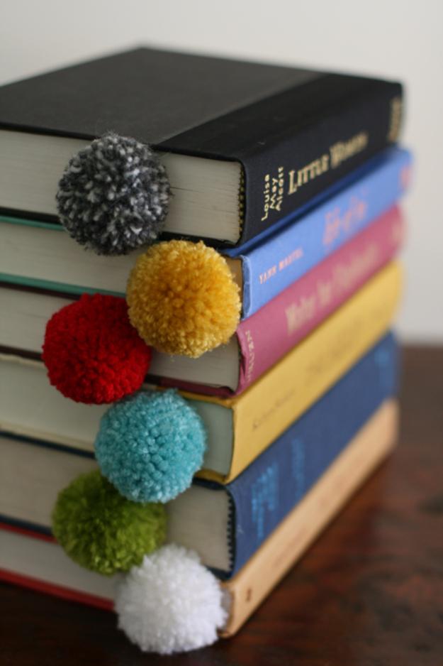 Clever DIYs Made With Yarn - Yarn Ball Bookmark - Yarn Crafts To Try, Easy Yarn DIYs, Fun Crafts To Do With Yarn, Wall Art, Awesome Yarn Ideas, Yarn DIY Projects, Brillian Yarn Craft Tutorials http://diyjoy.com/diy-curtains-drapes