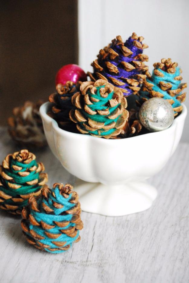 Clever DIYs Made With Yarn - Yarn Pine Cones Centerpiece - Yarn Crafts To Try, Easy Yarn DIYs, Fun Crafts To Do With Yarn, Wall Art, Awesome Yarn Ideas, Yarn DIY Projects, Brillian Yarn Craft Tutorials http://diyjoy.com/diy-curtains-drapes
