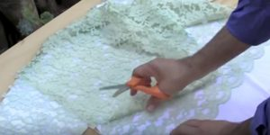 She Cuts Lace and Lays It On A T-Shirt To Make This Genius Idea You Have To See To Believe!